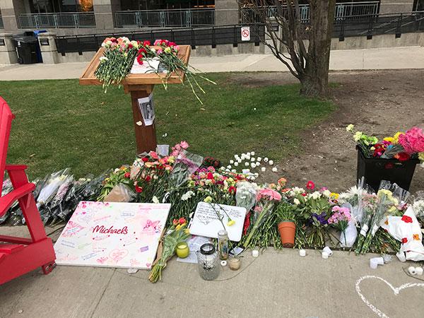 Memorial Mel Lastman Square